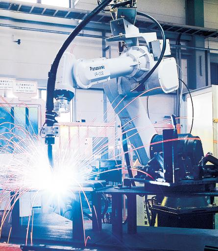 最新のオートメーション機器を駆使した生産設備を持つ滝野工場
